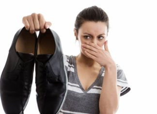 5_Simple_Tips_For_Getting_Rid_of_Shoe_Odor6
