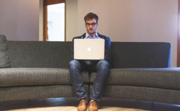 5 Ways to Earn A Full-Time Living Working From Home