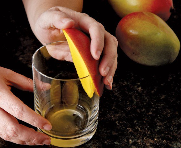 10 Kitchen Hacks Every Adult Should Know