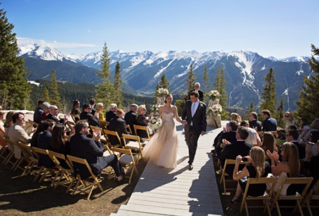 The 15 best venues for outdoor weddings in the usa for Best colorado mountain wedding venues