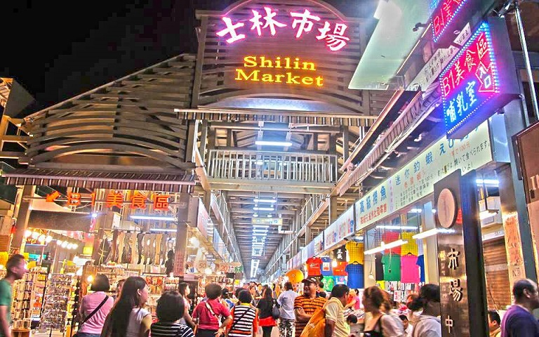 see and do in Taiwan Night Markets-1