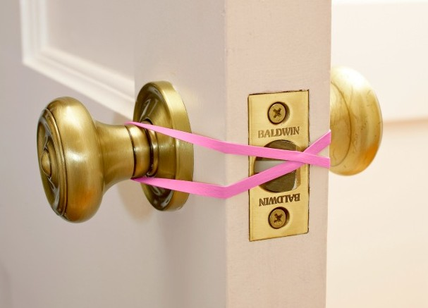 10 Rubber Band Hacks to Simplify Your Life2