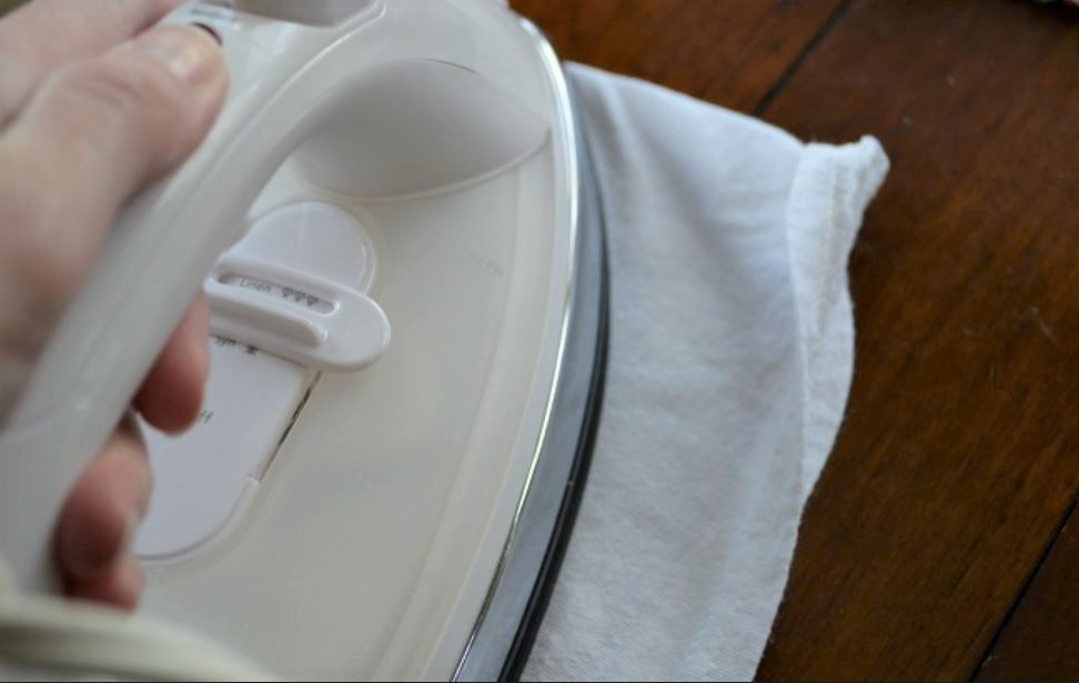 7 Incredible Uses of Your Clothes Iron - 6