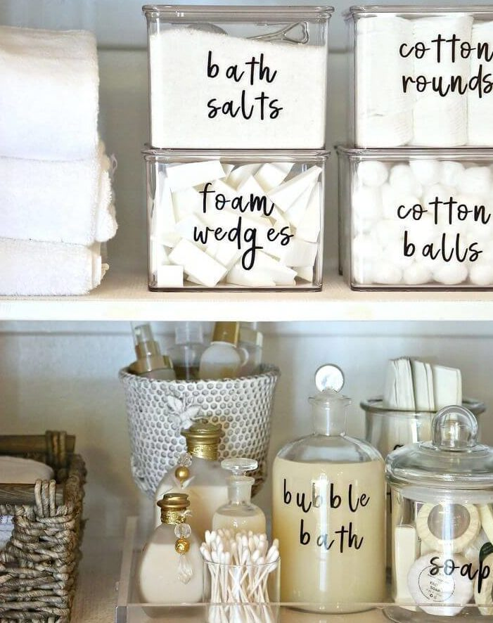 8 Quick Tips for Organizing your Bedroom -5
