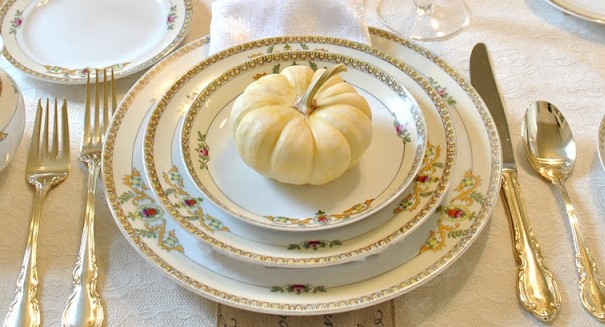 Create a Stylish Thanksgiving Table to Wow Your Guest-5
