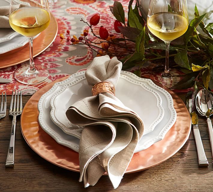 Create a Stylish Thanksgiving Table to Wow Your Guest-9