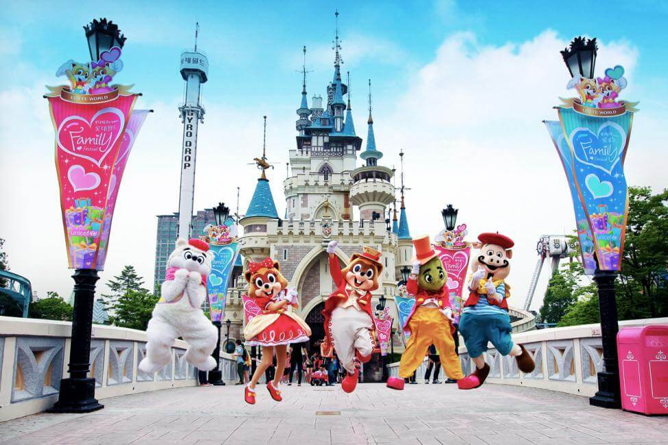The Top Things You've Got to Do and See in Seoul Korea - Lotte World Adventure