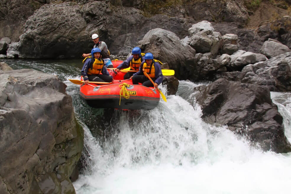 Dive In! 6 Amazing Water Activities That Are A Must To Try - White River Rafting