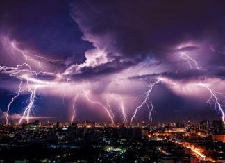 How to Protect Yourself From a Thunderstorm