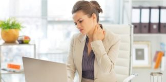 7 Tips to Optimize Your Workspace to Reduce Neck and Shoulder Pain