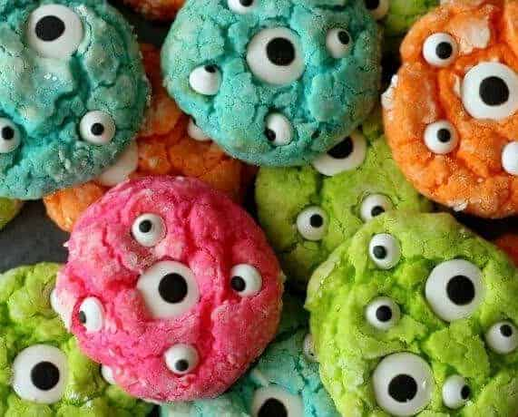 20 Spooky Cookie and Cupcake Recipe Ideas for Halloween 1