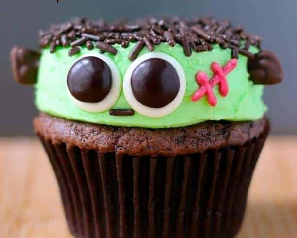 20 Spooky Cookie and Cupcake Recipe Ideas for Halloween 15
