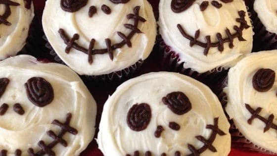 20 Spooky Cookie and Cupcake Recipe Ideas for Halloween 18