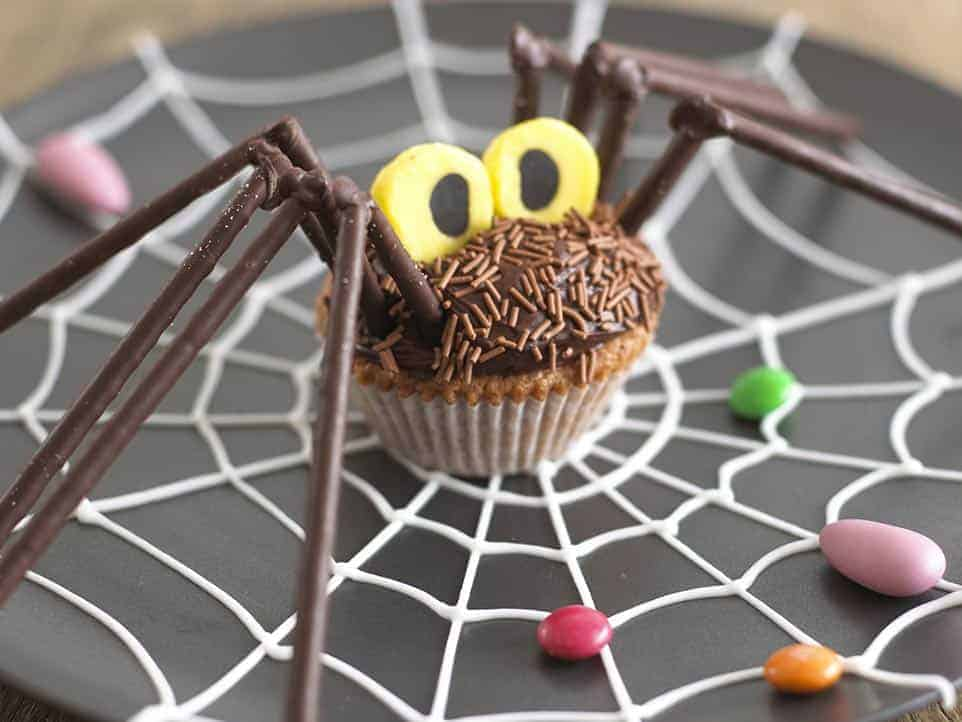 20 Spooky Cookie and Cupcake Recipe Ideas for Halloween 20