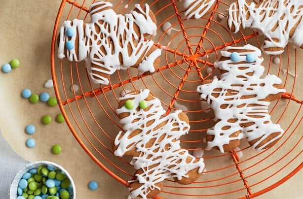 20 Spooky Cookie and Cupcake Recipe Ideas for Halloween 3