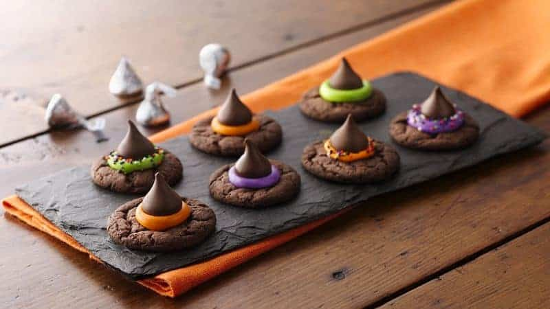 20 Spooky Cookie and Cupcake Recipe Ideas for Halloween 8