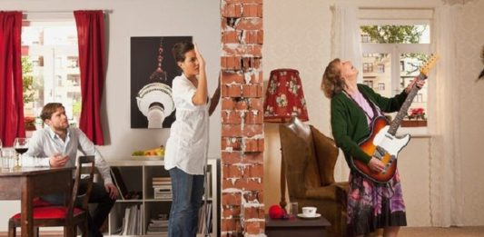 10 Ways to Soundproof a Noisy Apartment