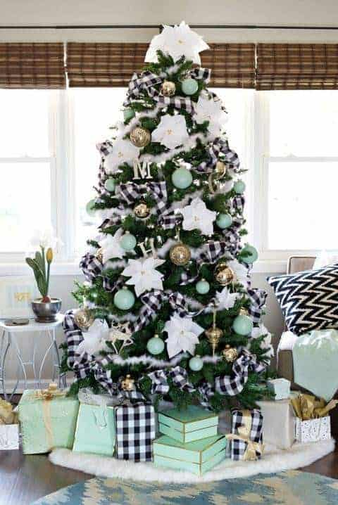 21 Unique Christmas Tree Ideas 11