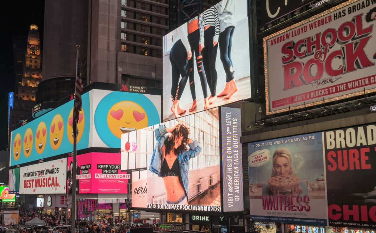 new-york-city-travel-guide-where-to-go-and-what-to-see-broadway