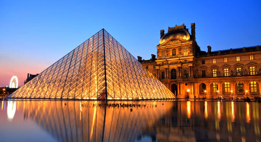 top-10-things-to-do-and-see-in-paris-france-4 The Louvre