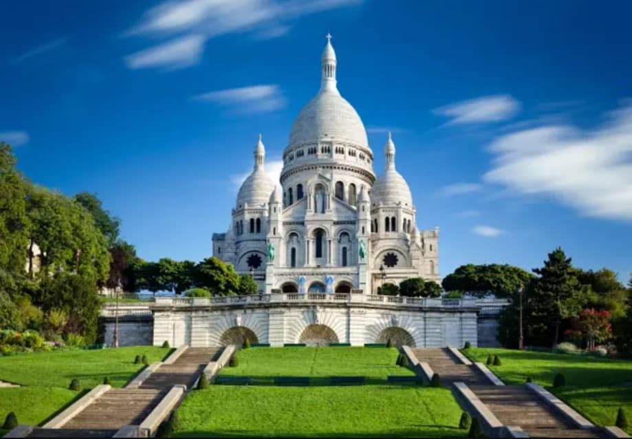 top-10-things-to-do-and-see-in-paris-france-7 Montmartre and Sacre Coeur