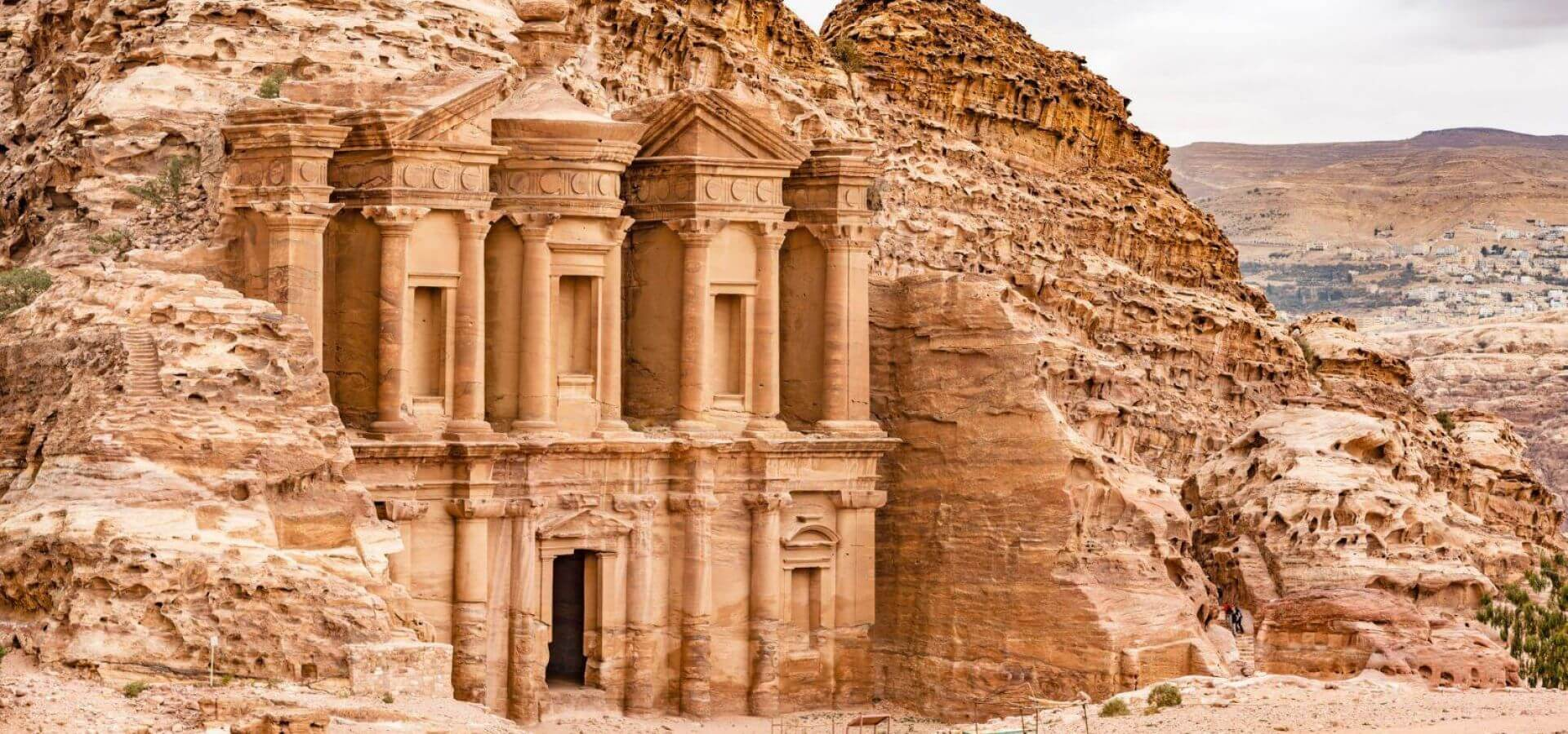 7-amazing-places-to-visit-before-you-die-Petra
