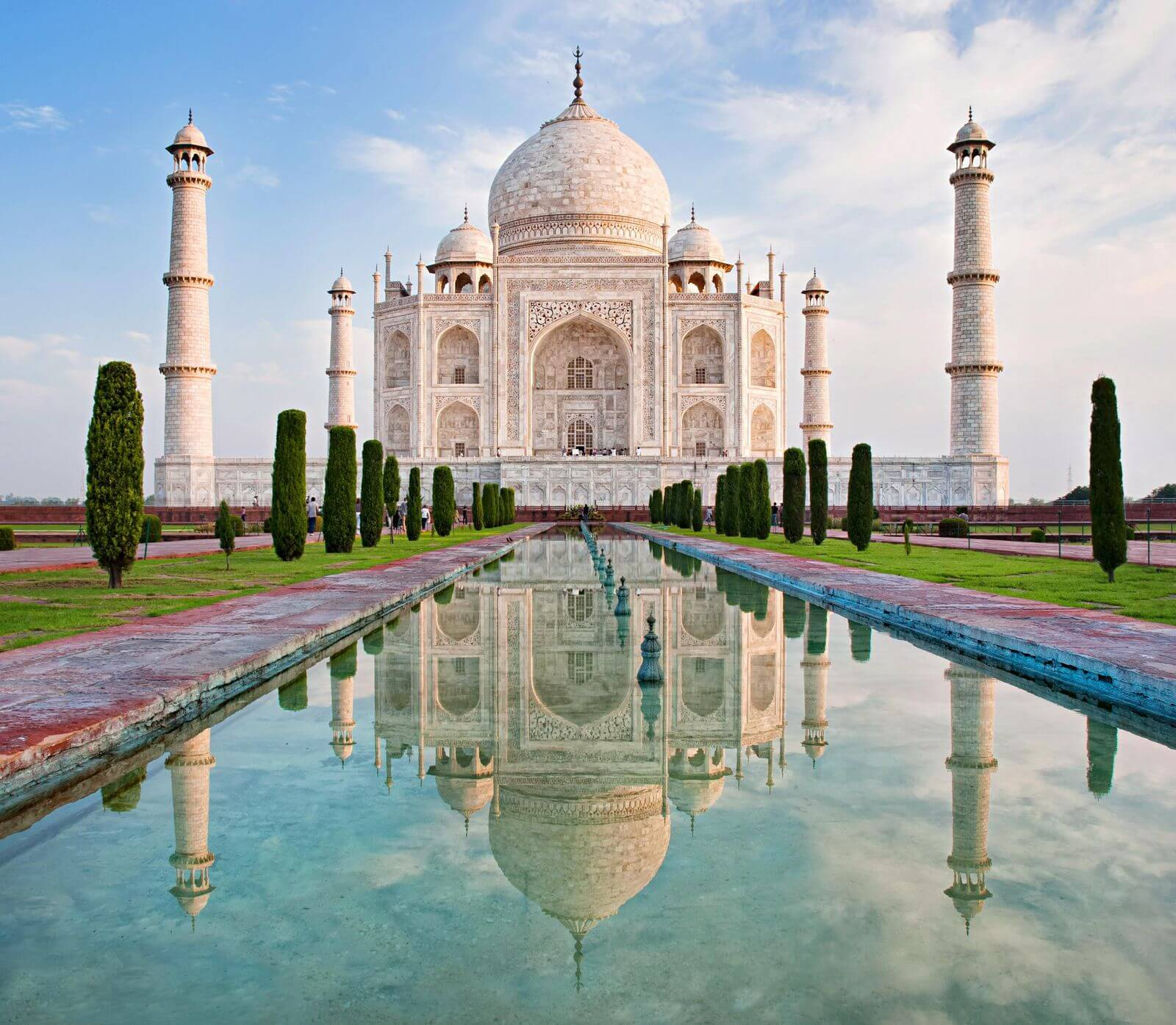 7-amazing-places-to-visit-before-you-die-Taj Mahal,