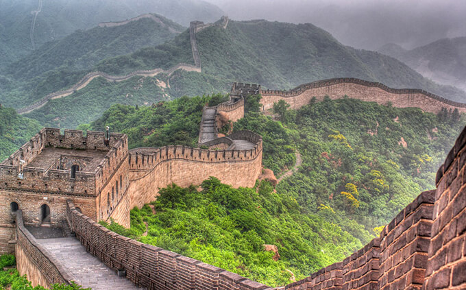 7-amazing-places-to-visit-before-you-die-The Great Wall