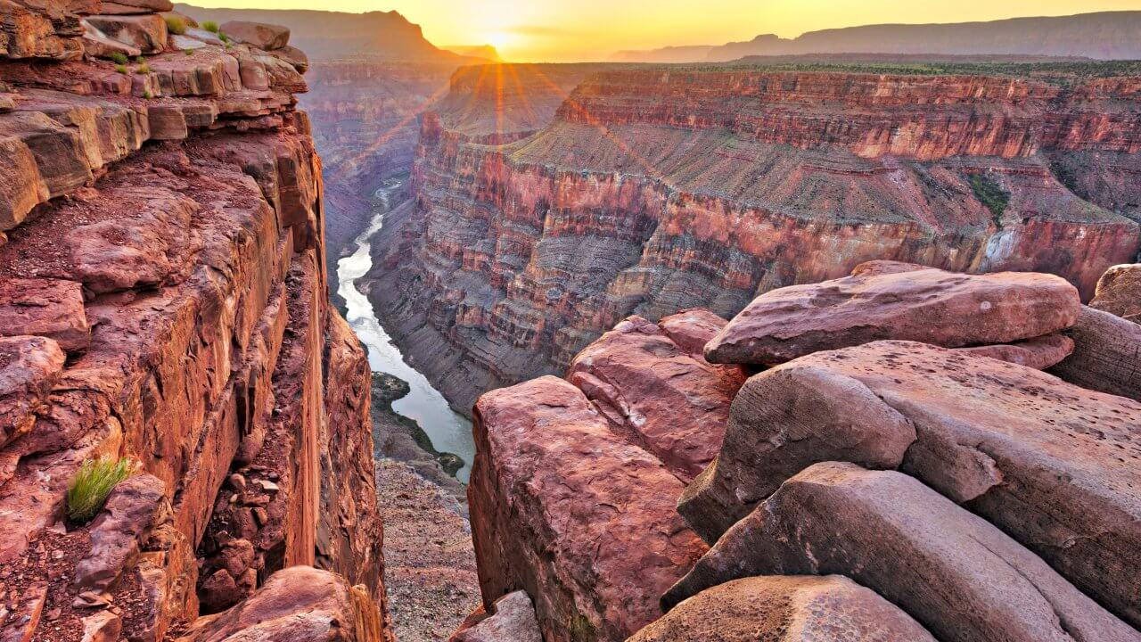 8-best-romantic-vacation-ideas-for-valentines-day-Grand Canyon
