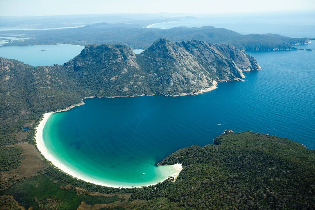 travel-like-a-local-top-secret-places-to-visit-in-australia-Tasmania