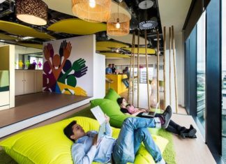9 Ways Workplace Culture Differs Around the World