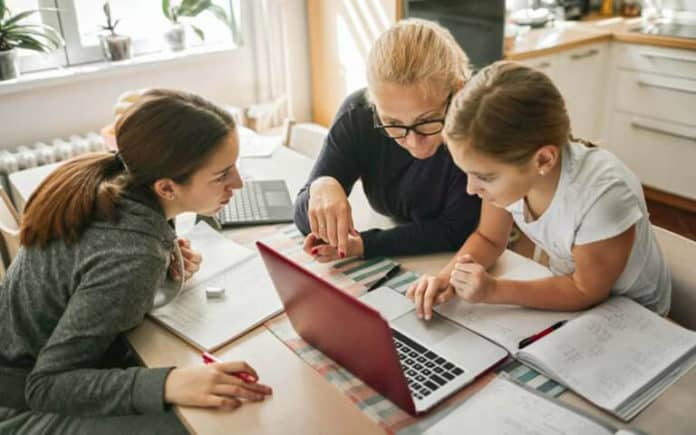 Practical Tips to Succeed at Homeschooling