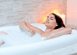 10 Health Benefits of Taking Hot Baths