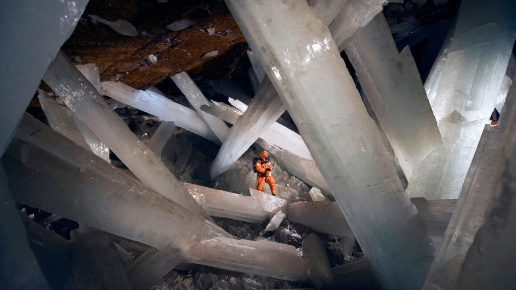 20 Weird Places around the World You Must Visit- Giant Crystal Cave