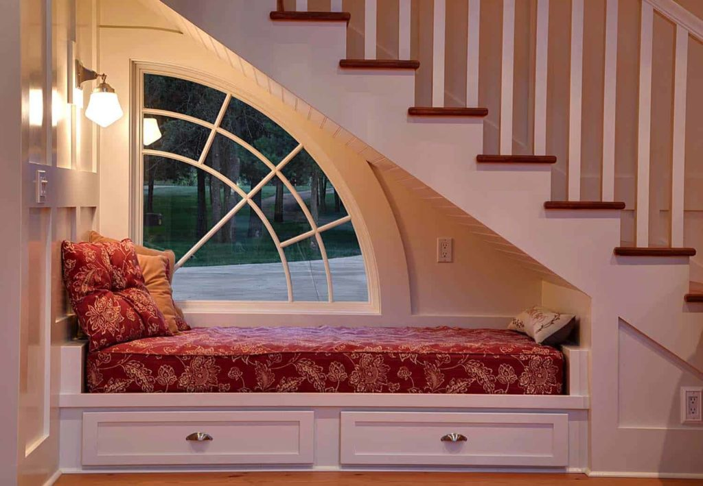 Interior Design Tips to Create the Perfect Reading Nook- Choose the Right Lighting