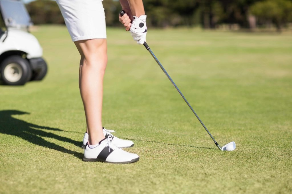 How to Swing a Golf Club: Beginners Guide- Right Posture