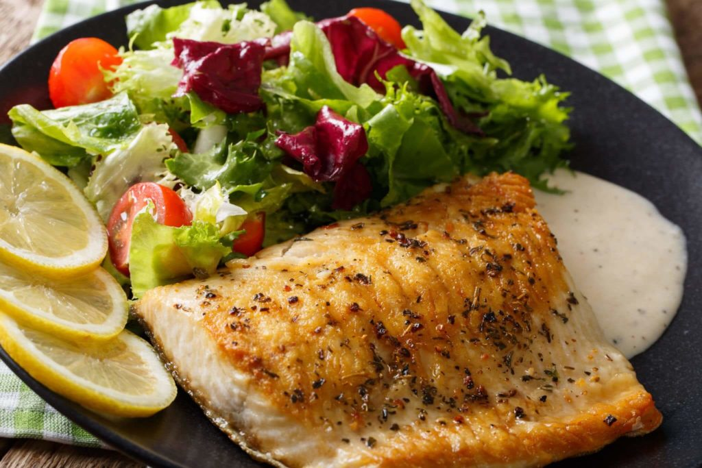 Healthy Diet Ideas to Help You Lose Weight Like a Model- Spiced Fish and Fresh Vegetables