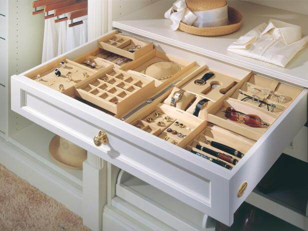 10 Organizing Tips for Your Accessories- Jewelry Drawer