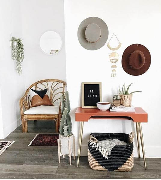 10 Organizing Tips for Your Accessories- Hat Wall Art